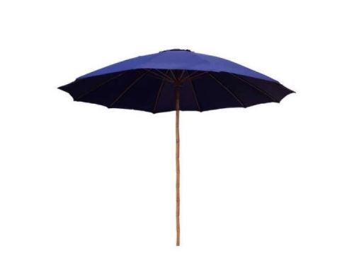 Tmavě modrý slunečník s bambusovou tyčí